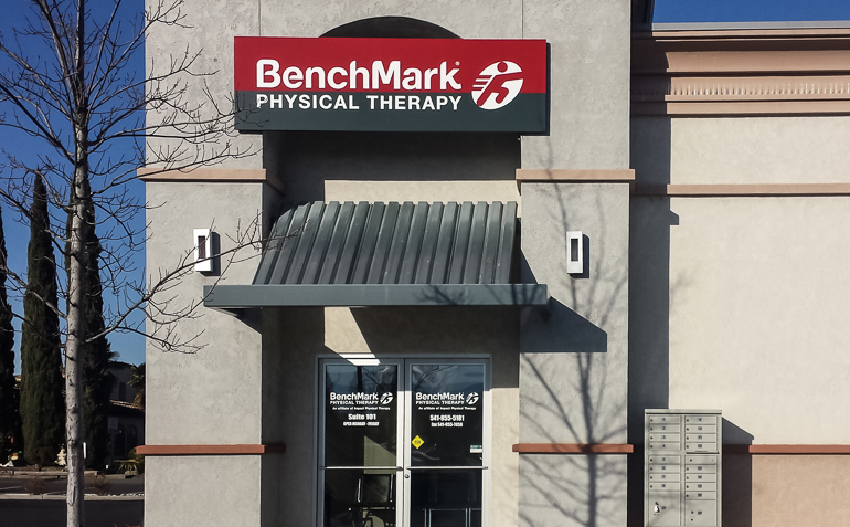 BenchMark Physical Therapy Clinic Entrance Grants Pass OR (Club Northwest)
