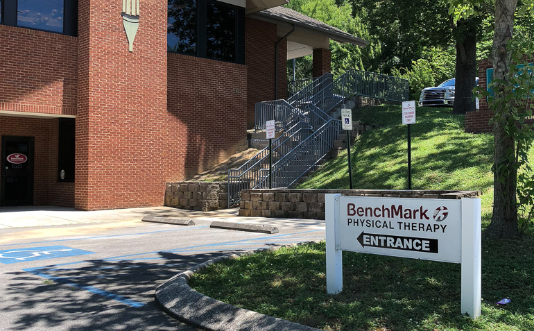 BenchMark Physical Therapy in Chattanooga (Citico Ave), TN Sign
