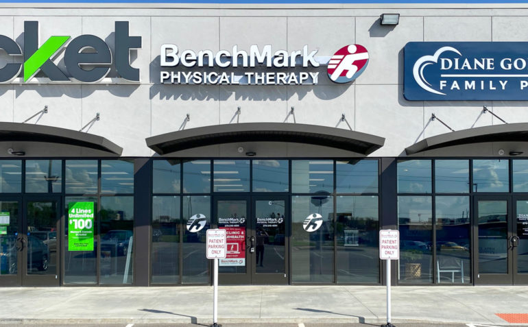 BenchMark+Physical+Therapy+Owensboro+East+exterior-01