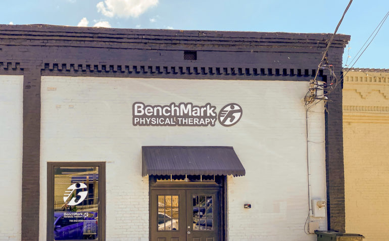 BenchMark+Physical+Therapy+Hartwell+exterior-01
